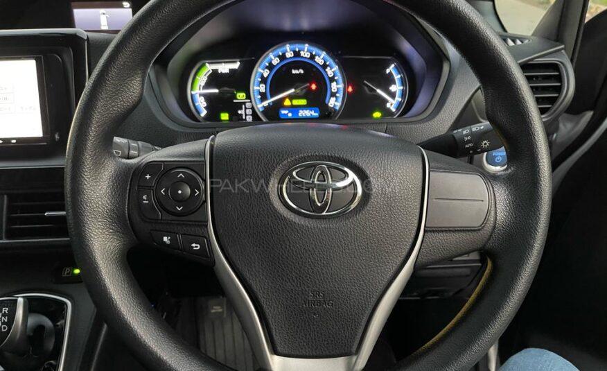 Toyota Noah X SPECIAL EDITION 2015